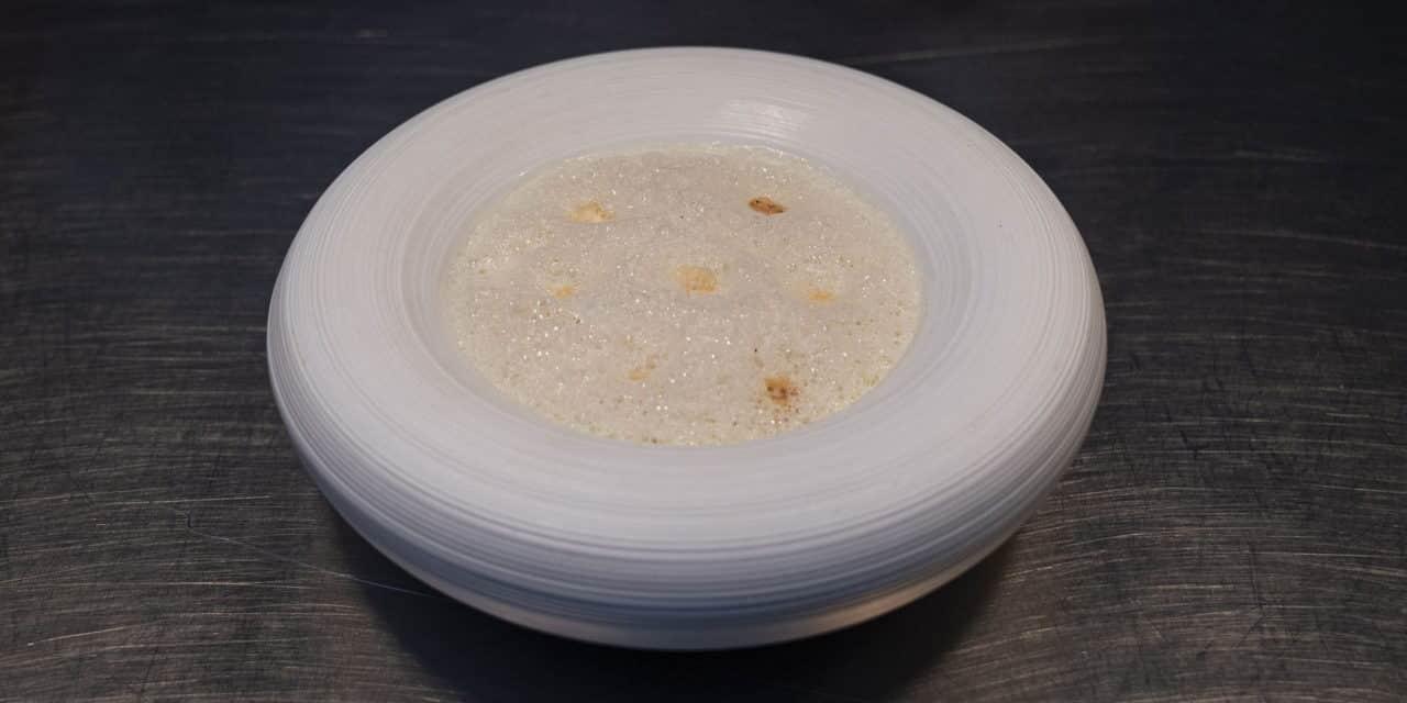 Onion soup and its foam by Toshitaka Omiya