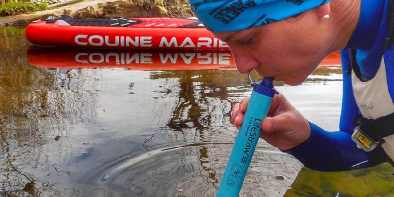 Rendre l'eau potable avec LifeStraw